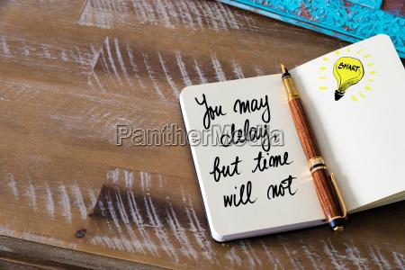 escribir estrategia arte disenyo madera fecha