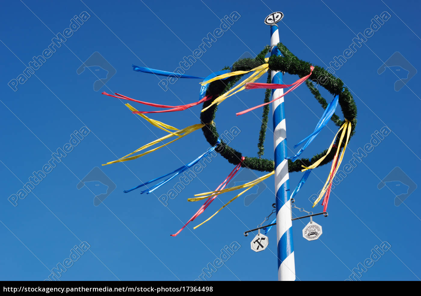bavarian, maypole, contra, el, cielo, azul - 17364498