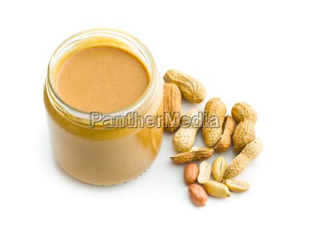 mantequilla de mani cremosa y cacahuates