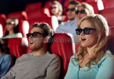 friends watching horror movie in 3d