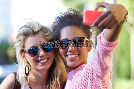telefono risilla sonrisas mujer mujeres amistad