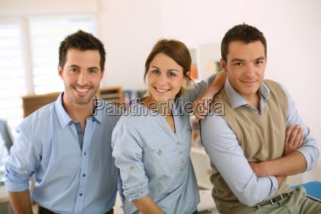 portraet af munter og succesfulde forretnings