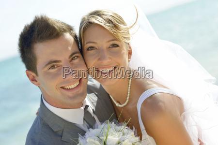 retrato de pareja recien casada en