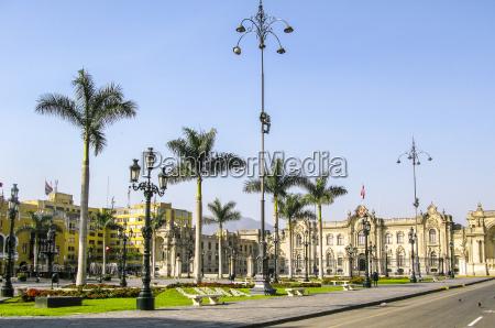 palacio del gobierno en plaza de
