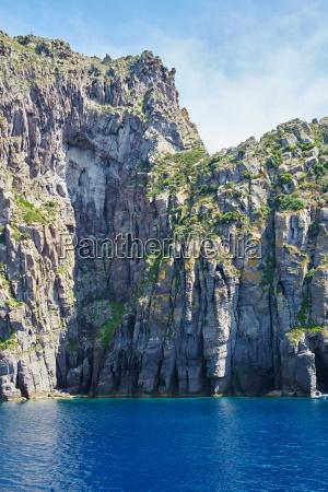 formacion rocosa en el mediterraneo