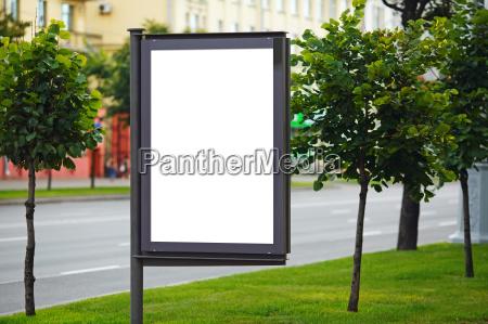 ciudad cartel en blanco publicidad vacio