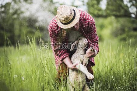 personas gente hombre animal mamifero agricultura