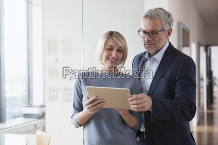 el empresario y la mujer que
