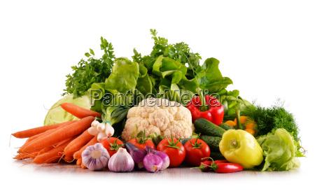 variedad de vegetales organicos frescos aislados