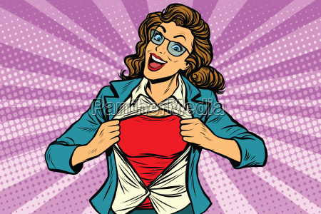 super heroe mujer rasgando camisa