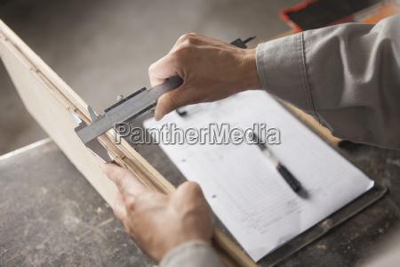 plancha de madera de medida de