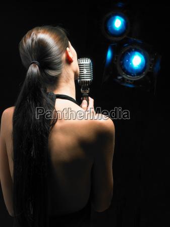 mujer personas gente hombre musica femenino