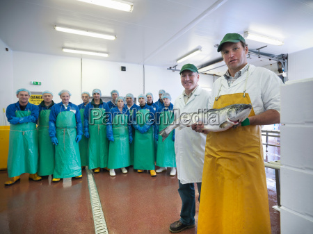 mujer risilla sonrisas comida industria animal