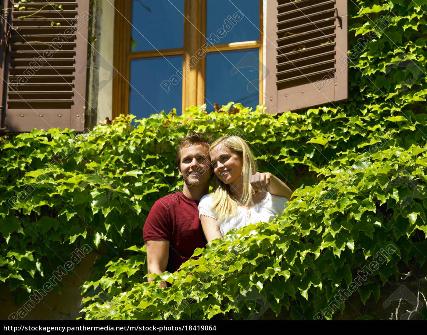 pareja, mirando, la, vista - 18419064