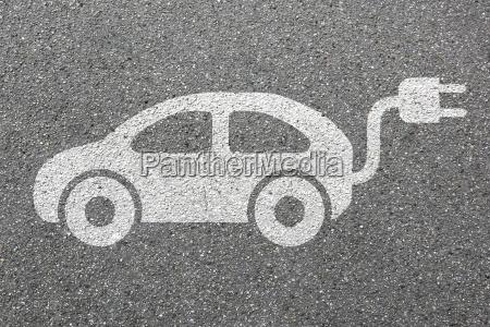 automovil electrico coche carretera movilidad trafico