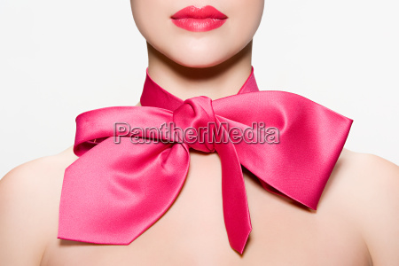 woman wearing a bow