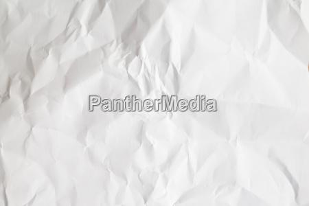 papel blanco arrugado