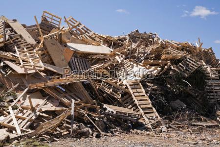 industria madera roto al aire libre