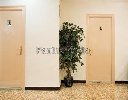 banyos para damas y hombres