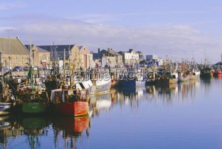 ciudad europa puerto horizontalmente lugares al