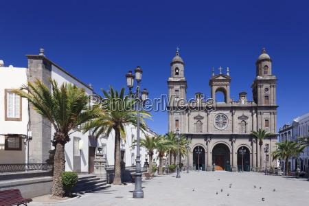 paseo viaje religion ciudad catedral casco