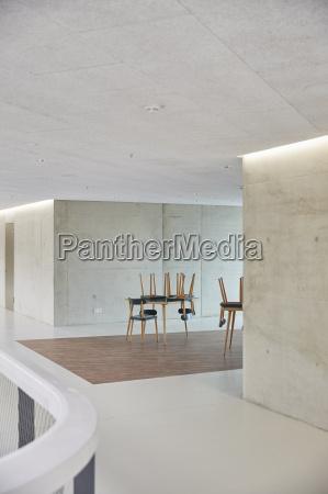 cafe muebles espacio interior hormigon pared