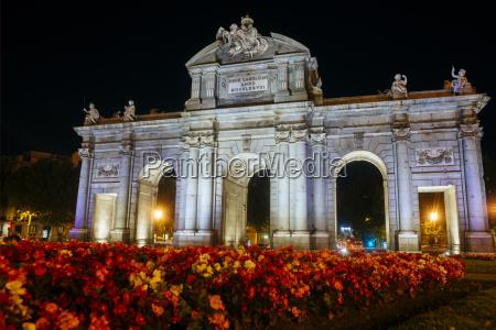 paseo viaje historico ciudad monumento flor