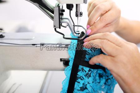 trabajo produccion coser maquina de coser