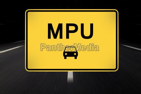 mpu escrito en la senyal de