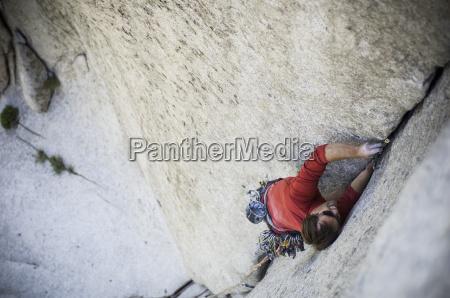 man climbing bongeater 510d
