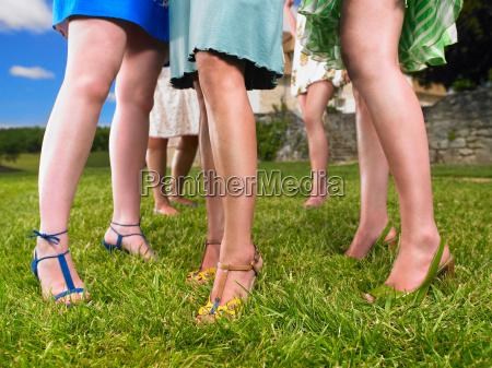 grupo de mujeres de moda