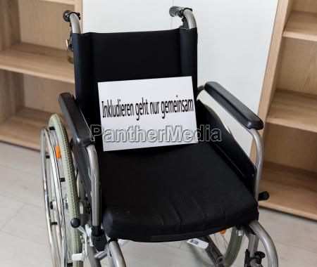 silla de ruedas oficina cuidado hospital