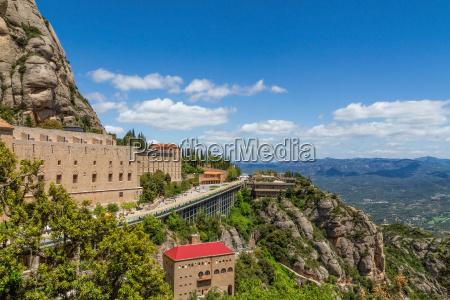 montanya alta alrededor del monasterio de