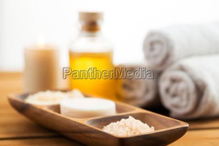 cerca de jabon sal del himalaya