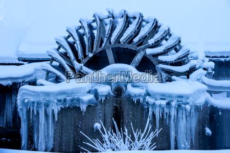 invierno hielo escarcha congelado molino carambano