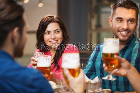mujer hablar hablando habla charla restaurante