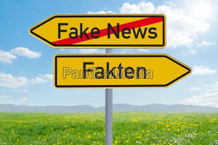 arrow guide fake news or