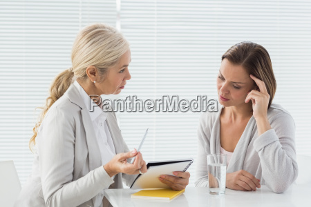 mujer conversacion hablar hablando habla charla