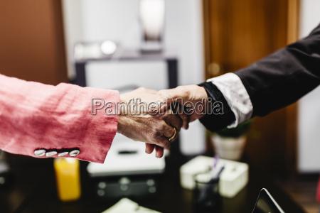 personas gente hombre oficina mano manos