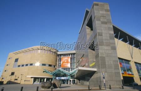 paseo viaje color moderno horizontalmente museo