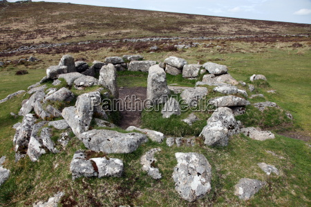 ruins of early bronze age house