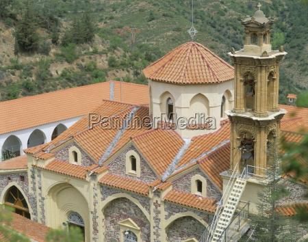 torre paseo viaje religioso caucasico europeo