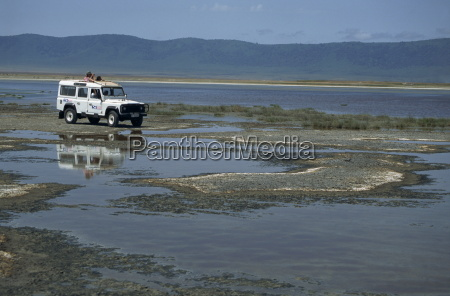 game viewing from landrover ngorongoro crater