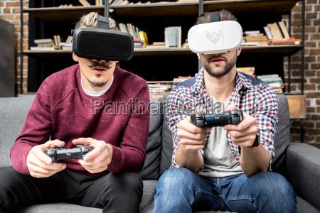 amigos jugando vigeo juego
