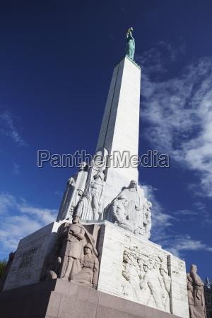 paseo viaje arquitectura monumento estatua escultura