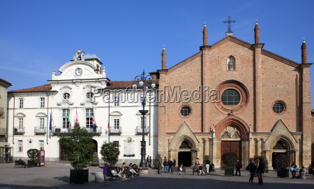 town hall and collegiata in piazza