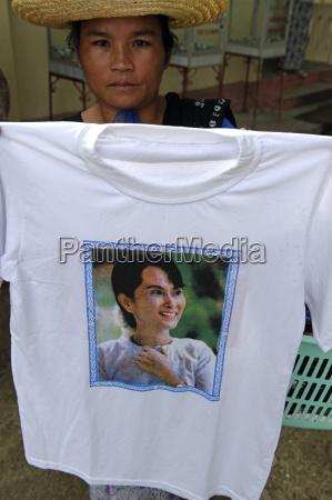 camiseta decorada con el retrato de