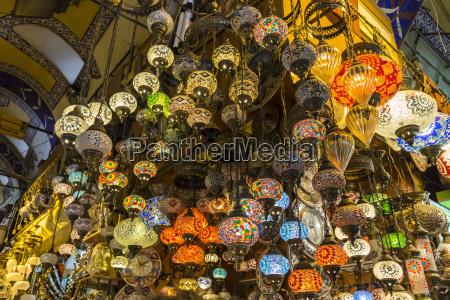 muchas cortinas de cristal turcas colgantes