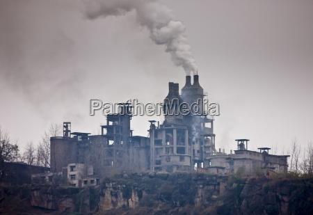 contaminacion de fabrica de cemento a