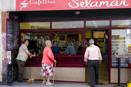 cafe restaurante ciudad color relajacion caucasico
